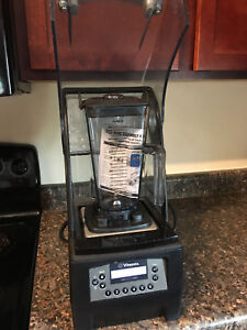 Vitamix 36019 the Quiet One on counter vm0145 Commercial Blender W new Container