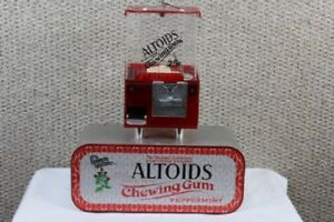 Rare Table Top Bar Altoid s Mints Coin Operated Vending Machine With Keys Coinop