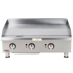 Apw Wyott Ggm 36i 36 Gas Countertop Champion Griddle With Manual Controls