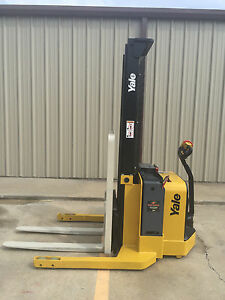 2012 Yale Walkie Stacker Walk Behind Forklift Straddle Lift Walkie Forklift