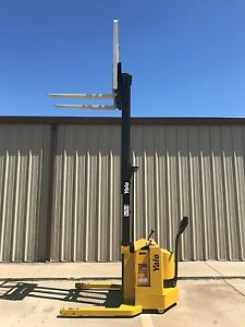 2001 Yale Walkie Stacker 12 Volt Straddle Walk Behind Forklift Only 4103 Hours