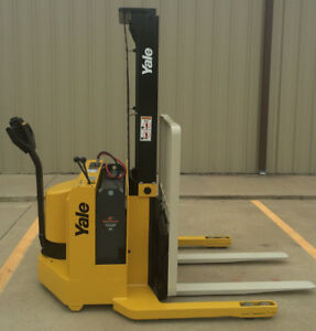 2002 Yale Walkie Stacker 12 Volt Straddle Walk Behind Forklift