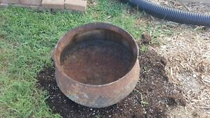 Large Vintage Cast Iron 3 Leg Kettle Cauldron Planter Pot Yard