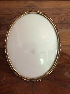 Vintage Hollywood Regency Oval Picture Frame Beaded Edge Convex Glass