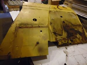 International 464 Diesel Farm Tractor Right Fender solid
