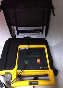 Defibrillator Lifepak 500 Medtronic No Charger Battery Combo Pack