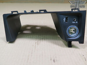 11 15 Bmw E84 X1 Usb Aux Lighter Plug Center Console Panel 9241331 Oem
