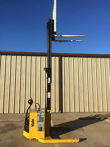 2008 Yale Walkie Stacker Walk Behind Forklift Straddle Lift Only 1023 Hours