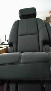 2007 2014 Yukon Tahoe Escalade Black Leather Middle Row Seat Right Side Only
