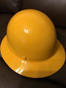 Msa 454666 Skullgard Protective Hard Hat Full Brim Staz on Suspension Stand
