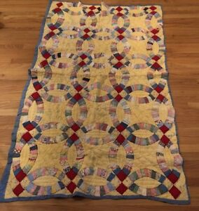 Antique 1930s Quilt With Double Wedding Ring Pattern