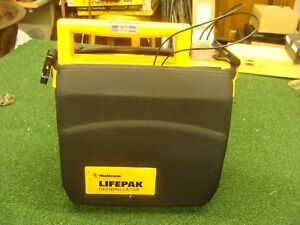 Medtronic Lifepak 500 With Case Battery Defibrillator Electrode Pad