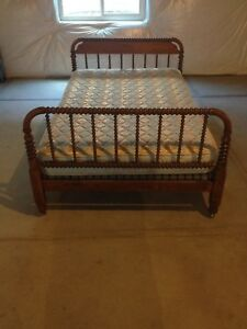 Antique Vintage Jenny Lind 3 4 Spool Bed With Bunk Board Mattress Pad Sheets