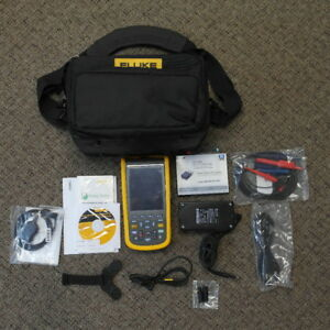 Fluke 123b 20mhz Industrial Scopemeter Oscilloscope Scope Multimeter Deluxe Kit