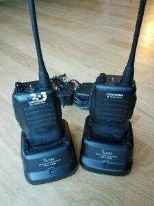 Pair Of Icom Ic f21s Uhf 2 Ch 4 Watt Radios Battery charger Included