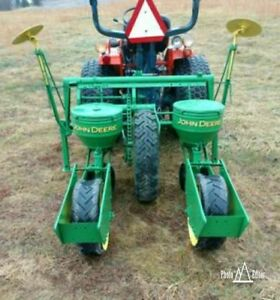 John Deere 2 Row Corn Planter With 3 Sets Of Plates Can Ship