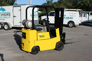 Yale 3000 Cushion Tire Forklift 3 Stage Mast Lift Truck