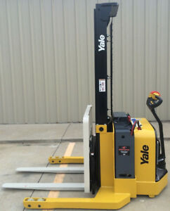 2013 Yale Walkie Stacker Walk Behind Forklift Straddle Lift Only 851 Hours
