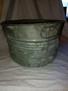 Vintage Primitive Galvanized Steel Round Wash Tub Ribbed Planter With Handles