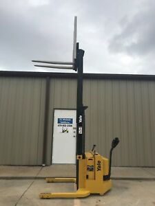 2001 Yale Walkie Stacker 12 Volt Straddle Walk Behind Forklift Only 8289 Hours