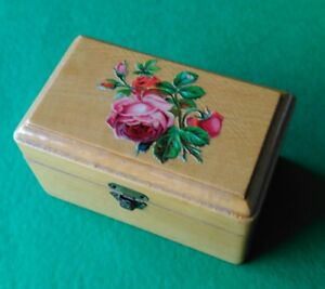 Mauchline Floral Ware Sewing Box Print Red Roses Silver Thimble Needles Cotton