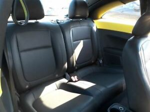 2012 12 Volkswagen Beetle Rear Seat Sit On Cushion Only Black Leather 39114