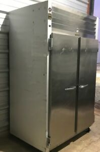 Traulsen 2 Door Reach In Freezer G22010 On Casters R 404a 115v 14 9 Amps