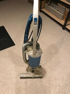 Used Windsor Axcess Industrial Commercial Upright Bag Vacuum Cleaner Works Read