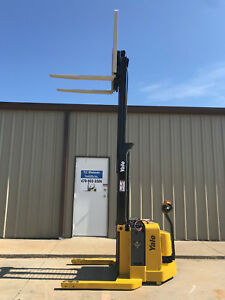 2006 Yale Walkie Stacker Walk Behind Forklift Straddle Lift Only 2078 Hours