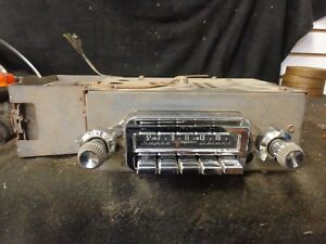 1959 1960 Pontiac Super Deluxe Radio Am Delco Gm 988976 With Knobs