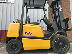Yale Gtp050 5000lb Pneumatic Forklift Truck