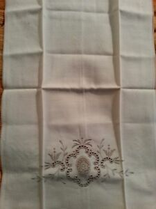 Madeira Satin Embroidered Hand Towel 12 X 18 Vtg
