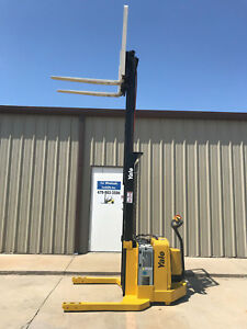 2007 Yale Walkie Stacker Walk Behind Forklift Straddle Lift Only 1612 Hours