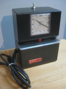Vintage Black Lathem Model 3021 Time Clock Tested Works With Key