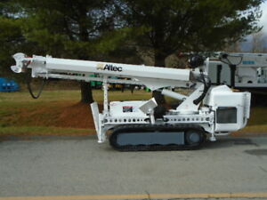 2009 Altec Db35 Backyard Digger Derrick W Wireless Remote Mtd On Hinowa Pt3000