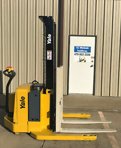 2005 Yale Walkie Stacker Walk Behind Forklift Straddle Lift only 860