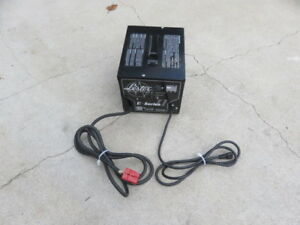 Lester E Series Ii 24 Volt 21 Amp Golf Car Battery Charger W Red Plug