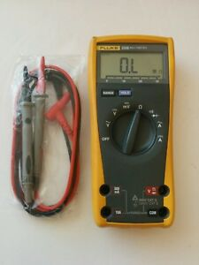 Fluke 23 Iii Digital Handheld Multimeter 23 3 New Test Lead Probes 23iii