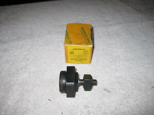 Greenlee No 731 Square Radio Chassis Knock Out Punch 7 8