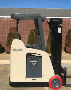 2007 Crown Rc 5500c 30 Forklift Stand Up Electric Dockstocker 15 734 Hours