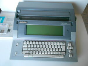 Smith Corona Pwp365 Electronic Personal Word Processor typewriter W manual Vgc