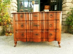 French Antique 18th C Chest Of Drawers In Walnut