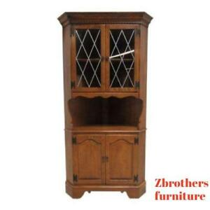 Ethan Allen Heirloom Nutmeg Maple Corner Cabinet Curio Hutch