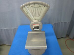 Pitney Bowes Model S 104 Mail Scale