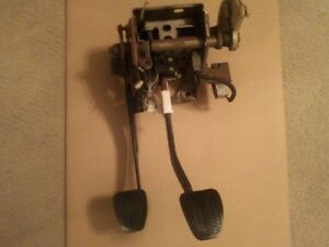 1999 2004 Ford Mustang Gt 5 speed Manual Clutch Brake Pedal Assembly