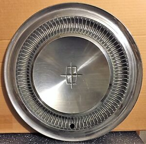 Single 1967 1969 Lincoln Continental Standard 15 Wheel Cover Hub Cap