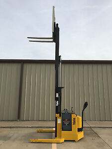 2000 Yale Walkie Stacker 24 Volt Straddle Walk Behind Forklift 153 Lift