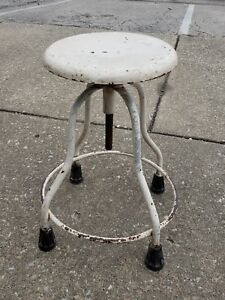 Vintage Industrial Stool Screw Base Doctors Drafting Machinist Chippy Paint