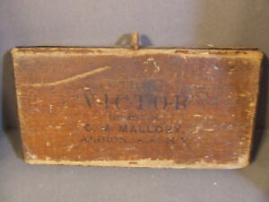 Antique The Victor Mallory Albion N Y Sheep Wool Brush Pulling Comb Paddle