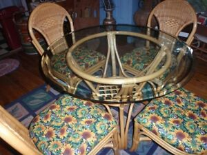 Vintage Rattan Bamboo Patio Dining Table And 4 Chairs Euc